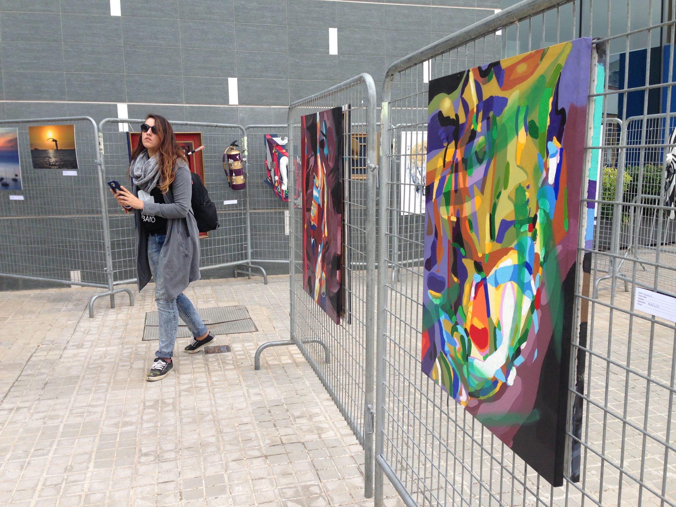 exhibition al carrer contorno urbano, street art graffiti clarafosca